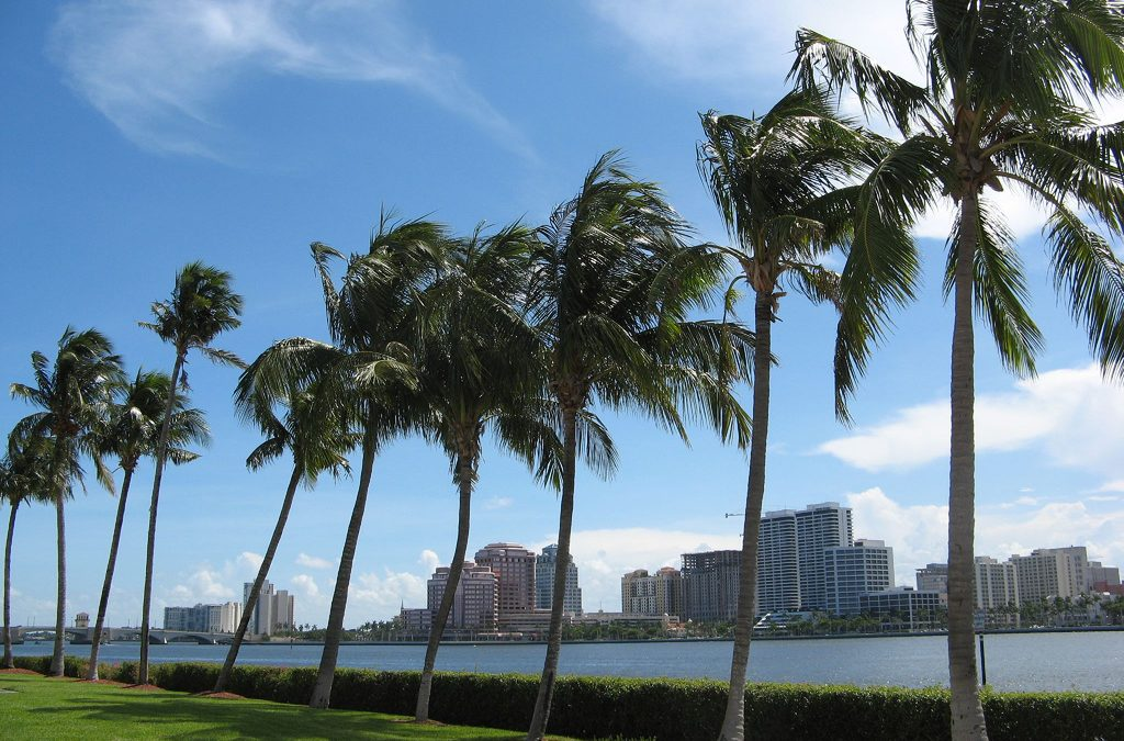 What is it like to live in 5969 Palm Ct, West Palm Beach, Florida?